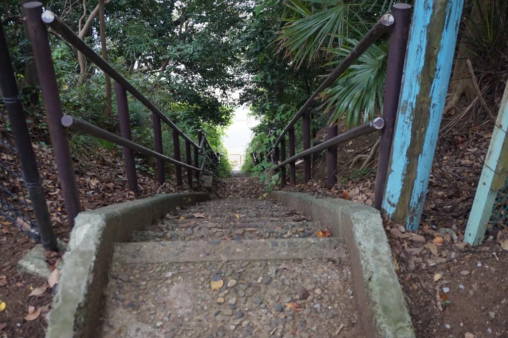 里見公園の急な坂